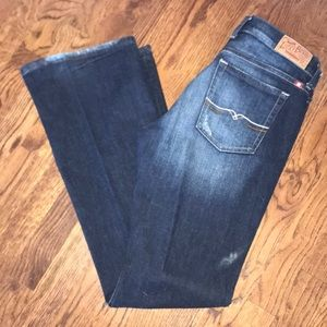 Lucky dark wash jean in size 6/28